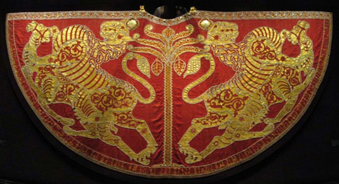The Royal Coronation mantel 1133/34 (dyed silk, gold thread and pearls, precious stones) of the Kingdom of Sicily