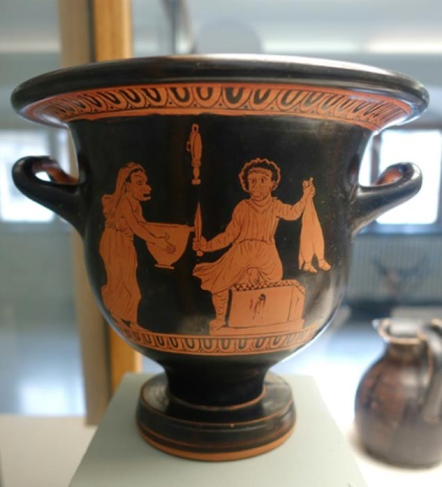 Apulian krater with scene from Aristophanes' Thesmophoriazusae (c. 370 BC) (Public Domain)