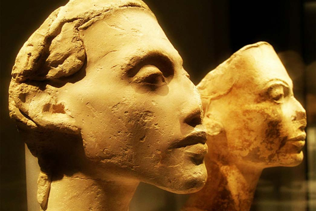 Portraits of Akhenaten and Nefertiti from the workshop of Thutmose, the royal sculptor. Tell el-Amarna. Neues Museum, Berlin. (Photo: Heidi Kontkanen)