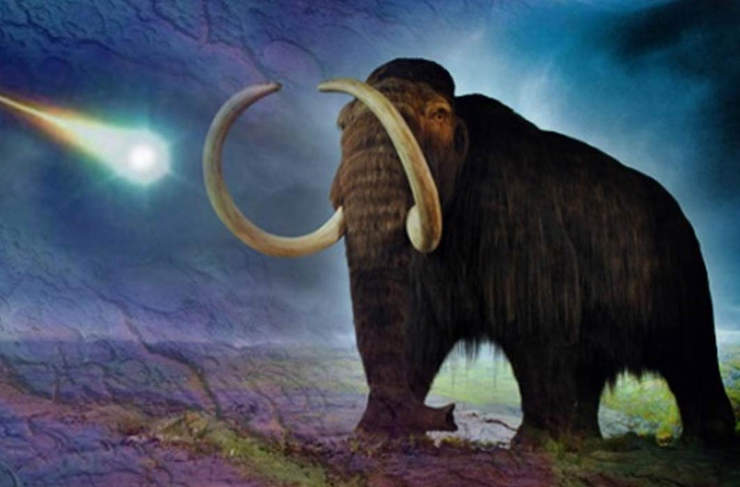 Deriv; A woolly mammoth ( CC BY-SA 2.0 ) meets a meteor strike ( Public Domain ). Carolina Bays ( Public Domain ).