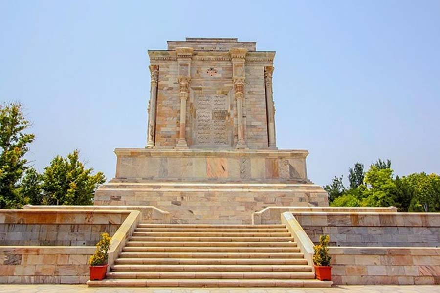 Illustrious tomb of Ferdowsi (CC BY-SA 4.0)