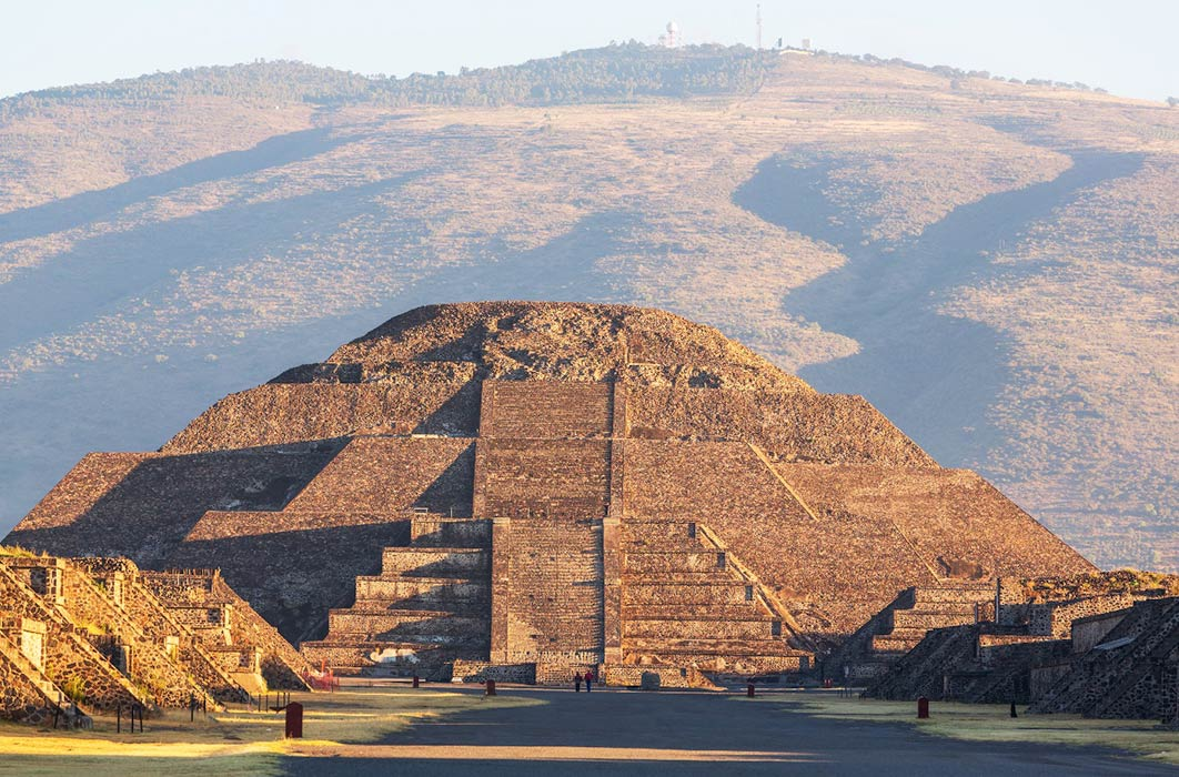Teotihuacan Pyramid of the Moon with Cerro Gordo behind it (Galyna Andrushko/Adobe Stock)