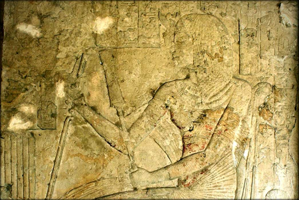 Painted limestone relief from the Memphite tomb of Horemheb shows him with the uraeus on his brow; it was added after he became pharaoh; design by Anand Balaji