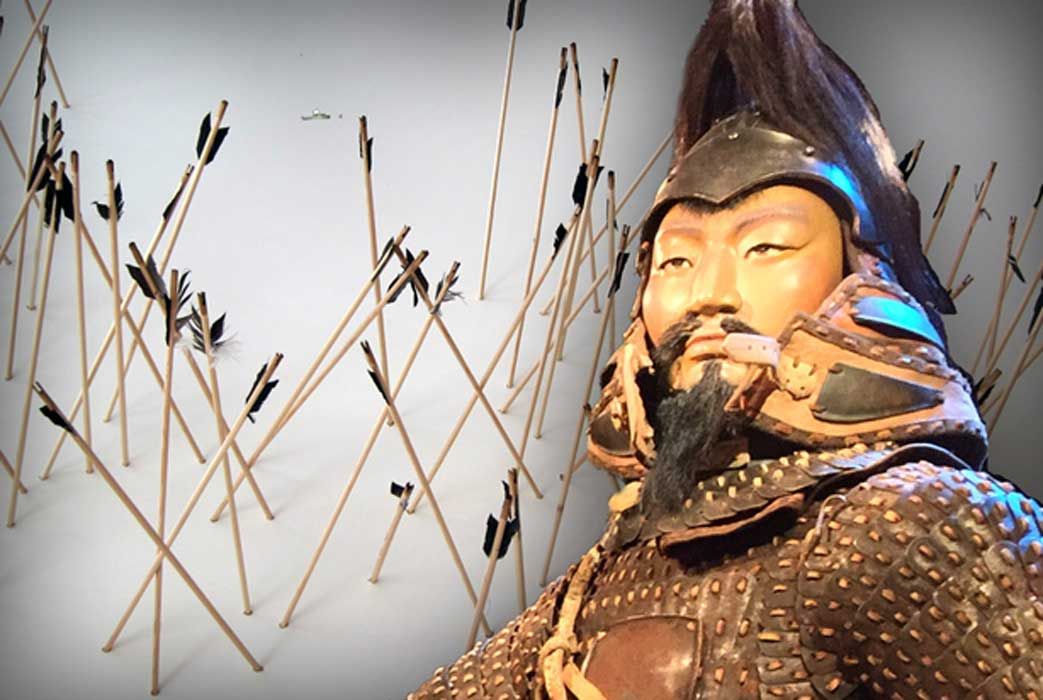Exhibit featuring Mongolian arrows (CC BY-SA 2.0), and Mongolian soldier model