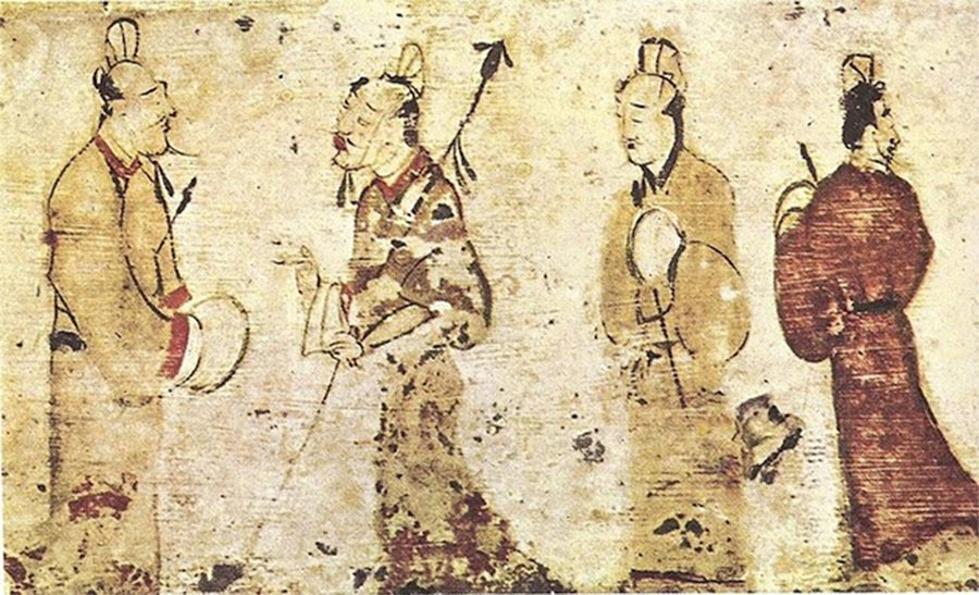 Two gentlemen engrossed in conversation while two others look on, dated to the Eastern Han Dynasty (25–220 AD) Museum of Fine Arts Boston. (Public Domain)