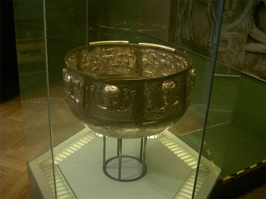 The Celtic Gundestrup Cauldron, the National Museum of Denmark, Copenhagen ( CC BY-SA 2.5)