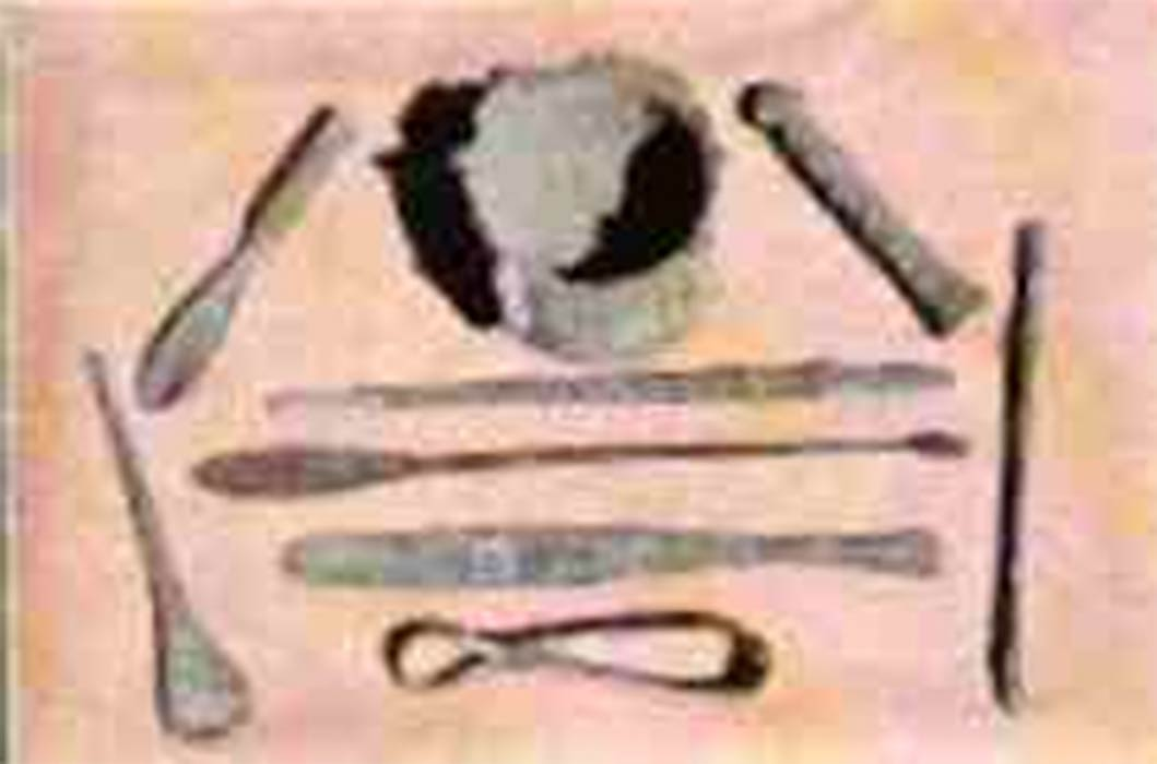 Ancient Egyptian surgical tools (CC BY-SA 3.0)