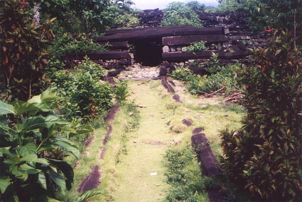 Ruins at Nan Madol (CC BY-SA 2.0)