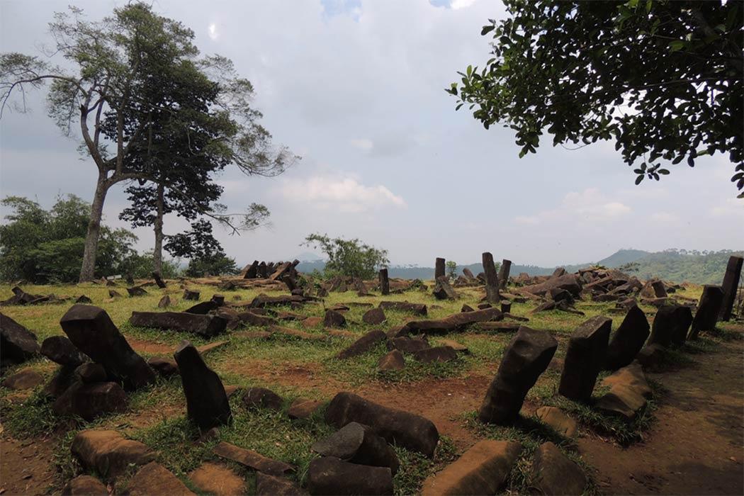 Basalt rocks at Gunung Padang (Image: © Alistair Coombs)
