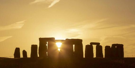Summer Solstice Sunset at Stonehenge, UK (Phil/ Adobe Stock)