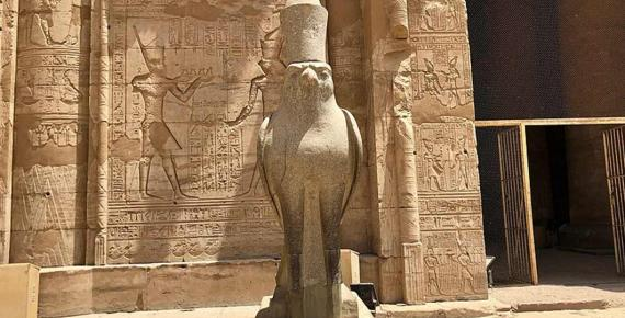 Statue of Horus, Temple of Horus at Edfu (CC0)