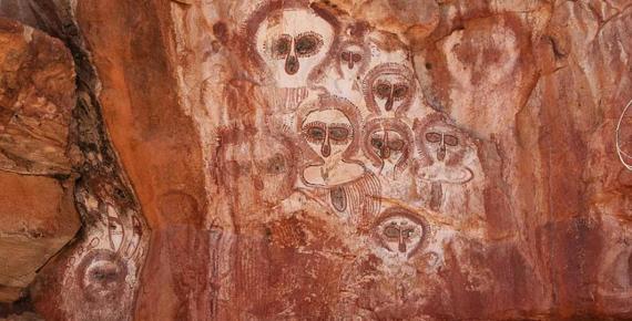 Wandjina rock art on the Barnett River, Mount Elizabeth Station (CC BY-SA 2.0)