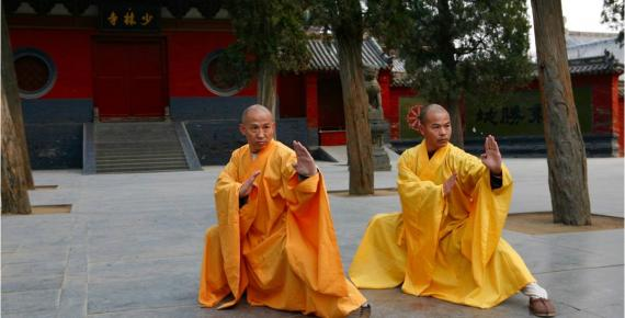 Two grandmasters of the Shaolin Temple Shi DeRu